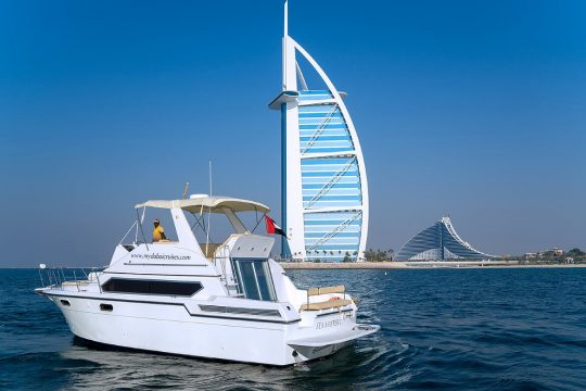 My Cruises Dubai 45 ft Yacht 01