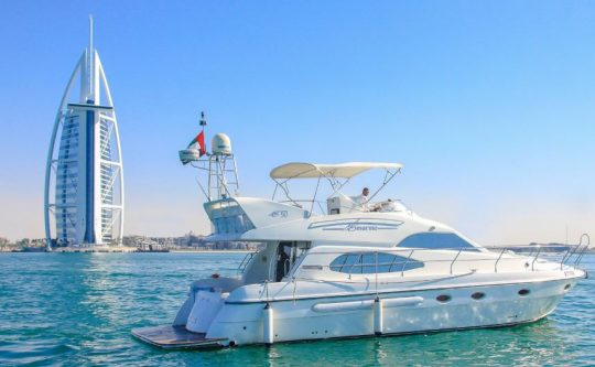 luxury-yachts-50-ft-plan-out-dubai