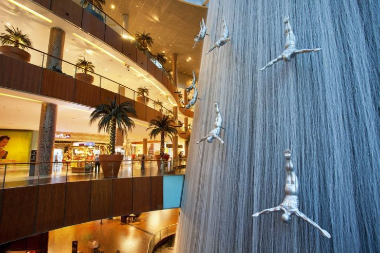 Dubai Mall Men Falling Waterfall blog PlanOut Dubai